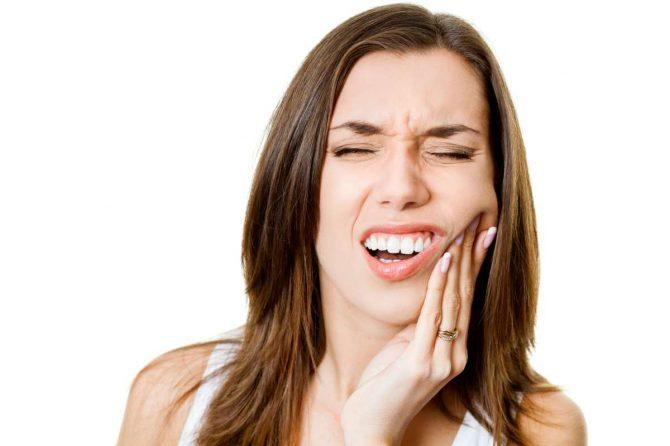Ορθοδοντική Θεραπεία: Προβλήματα, πόνος, τσιμπήματα, γρατζούνισμα